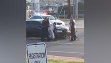 ABD polisi, köpeğini siyahi adama saldırttı