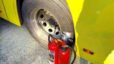 Ataşehir'de balataları yanan İETT otobüsünün yolcuları başka otobüslere bindi