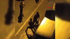 Sultangazi'de Afrikalılar bir kişiyi sokak ortasında darbetti