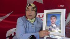 Diyarbakır'da evlat nöbetindeki anne: HDP'nin bir kapısı meclise, diğer kapısı Kandil'e çıkıyor