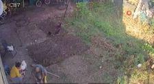Pendik'te bahçesine gömülmüş silah buldu