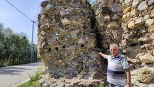 Bursa'da 2500 yıllık surlar ortadan ayrıldı