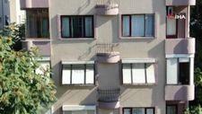 İstanbul'da kapısı olmayan Fransız balkonlar görenleri şaşırtıyor