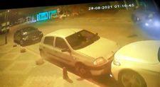 Kartal'da park halindeki araçlara çarpan otomobil takla attı: 2 yaralı