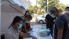 Siirt'te aşı ikna timi, aşı olmayan vatandaşlarla konuşup ikna ediyorlar