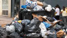 Fransa'da işçiler greve gitti, sokaklarda çöp dağları yükseldi