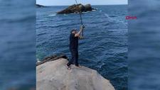 Arnavutköy'de balık tutarken dalgalara kapılan 4 kişiden 1'i hayatını kaybetti