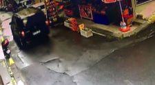 Şişli'de yola fırlayan 3 yaşındaki çocuğa, panelvan araç çarptı