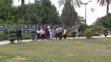 Adana'da liseli kız öğrenciler okul çıkışı parkta kavga etti