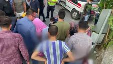 Adana'da otomobil marketten çıkan çocuklara çarptı
