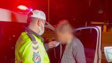Bursa'da drift yapan alkollü sürücü, kaçmak isterken polis aracına çarptı