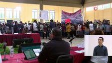 Meksika'da protestocular, Devlet Başkanı Obrador'un toplantısını bastı