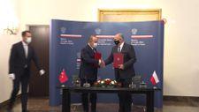 Mevlüt Çavuşoğlu Polonyalı mevkidaşı Rau ile görüştü