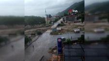 Sinop'taki Çayağzı Köprüsü'nün yıkılma anı kamerada