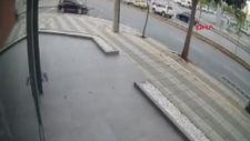 Gaziantep'te otomobilin 14 yaşındaki çocuğa çarpma anı