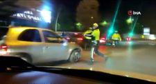 Ankara'da kaçan sürücü aracını polislerin üzerine sürdü