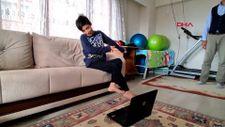 Karabük'te ayaklarıyla bilgisayar kullanan genç, uzayda yaşamak istiyor