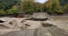 Kastamonu'yu sel vurdu: Bazı köylere ulaşım kesildi