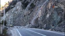 Artvin-Erzurum karayolu heyelan nedeniyle ulaşıma kapandı