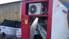 Edirne'de kontrolden çıkan araç ATM'ye girdi