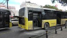 Fatih'te 2 İETT otobüsü çarpıştı, 2 yolcu yaralandı