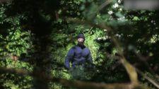 Hırvatistan'da maskeli polisler göçmenleri sopalarla dövüyor