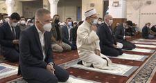 Diyanet İşleri Başkanı Ali Erbaş, sabah namazında gençlerle bir araya geldi