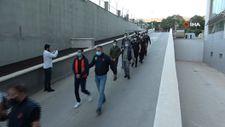 Mersin'de FETÖ operasyonunda yakalanan 8 eski askeri öğrenci adliyede