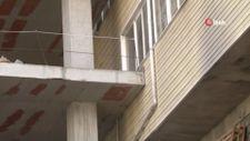 Şişli'de bina inşaatı, 40 yıllık apartmana dayandı