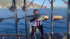 Antalya'da 42 kilo balık tutan genç kendi rekorunu kırdı