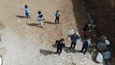 Erzurum'da çocuklar ilk kez gördükleri drone'u kovaladı