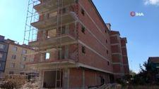 Uşak'ta inşaatı devam eden apartmandan düşen işçi öldü