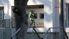 Antalya'da şüpheli valize uzman müdahalesini, kahvaltı yaparken izlediler