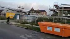 Bisikletle konteynerden atlamaya çalışan adamın hazin sonu