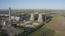 İngiltere'de Eggborough elektrik santralinin yıkılma anı