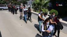 Mersin merkezli 42 ilde jigolo operasyonu: 182 kişi dolandırıldı