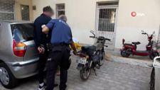 Acemi hırsız, çevre esnafından yardım isteyince yakayı ele verdi