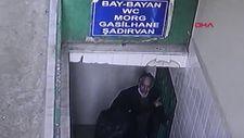 Avcılar'daki hırsız cami tuvaletlerinin musluklarını çalarken yakalandı
