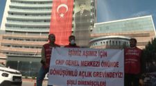 Şişli Belediyesinde işten çıkarılan 3 işçi CHP önünde açlık grevi başlattı