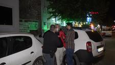 İzmir'de sokakta karşılaştığı husumetlisini defalarca sırtından bıçakladı