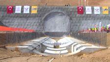 Ankara-İzmir YHT projesindeki Türkiye'nin en geniş TBM tünelinde ışık göründü
