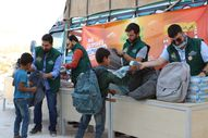 Acıbadem Okulları İyilik Timi, Diyarbakır ve İdlib'e eğitim malzemesi gönderdi