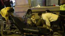 Beyoğlu'nda gaz pedalı takılan araç 2 turiste çarptı