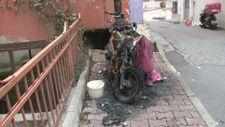 Kağıthane'de eski nişanlısının motosikletini benzin döküp yaktı