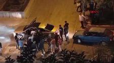 Adana'da sokakta tartışan iki grubu, polis memuru biber gazıyla dağıttı