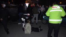 Gebze'de devrilen minibüsteki 6 kişi yaralandı, sürücü arka camı kırıp kaçtı