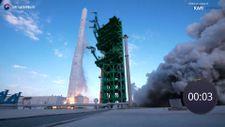 Güney Kore, ilk yerli roketini fırlattı