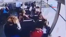 Şanlıurfa'da halk otobüsü ile otomobilin çarpıştığı anlar