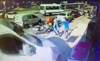 Esenyurt'ta 3 kişinin ezilmekten son anda kurtulduğu kaza