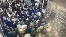 Mansur Yavaş'ın korumaları, Beyaz TV muhabirini dövdü